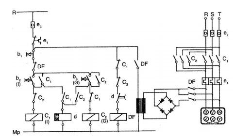 İki yönde çalışan motorun ters zaman röleli dinamik frenleme devresi